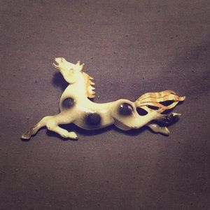 Jewelry - Vintage horse pin